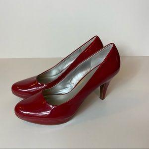 So 10 red heels